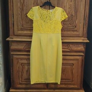 Eva Mendes yellow lace accented dress
